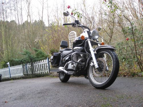 "Picture 7: My motor-bike ""SUZUKI Intruder 125"" / viewed from the front"