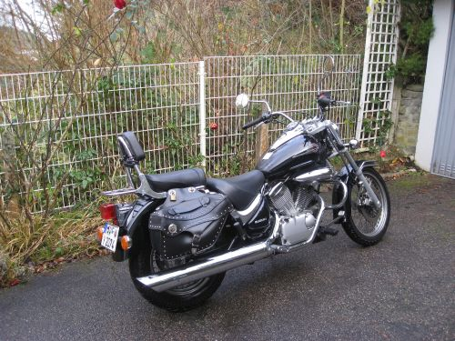"Picture 13: My motor-bike ""SUZUKI Intruder 125"" / side-face (right-hand)"