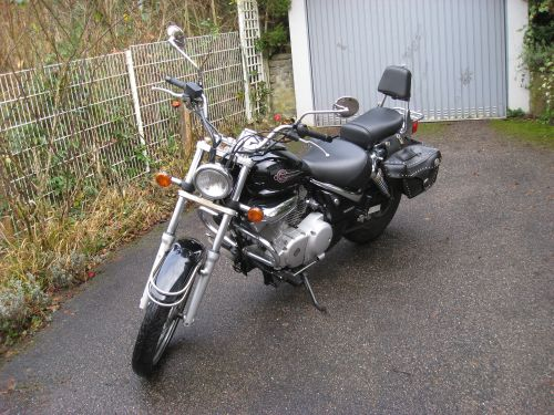 "Picture 14: My motor-bike ""SUZUKI Intruder 125"" / viewed from the front (right-hand)"