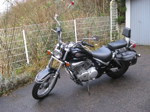 "Picture 15: My motor-bike ""SUZUKI Intruder 125"" / side-face (left-hand)"