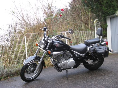 "Picture 16: My motor-bike ""SUZUKI Intruder 125"" / side-face (left-hand)"