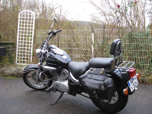 "Picture 19: My motor-bike ""SUZUKI Intruder 125"" / side-face (left-hand)"