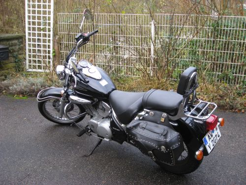 "Picture 20: My motor-bike ""SUZUKI Intruder 125"" / side-face (left-hand)"