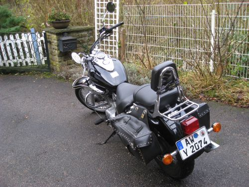 "Picture 21: My motor-bike ""SUZUKI Intruder 125"" / viewed from behind (left-hand)"