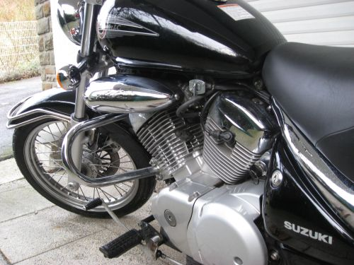 "Picture 22: My motor-bike ""SUZUKI Intruder 125"" / engine and tank"