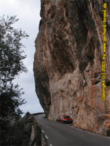 Picture 4: Sa Calobra, a steep rock along the road