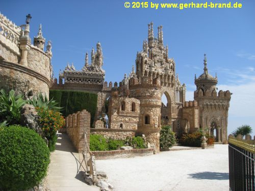 Picture 3: A general view of the Monument Castillo Colomares