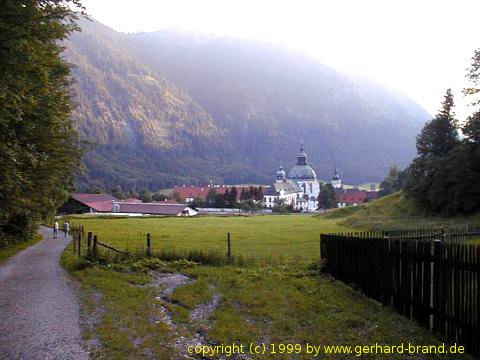 Picture 2: The monastery in Ettal