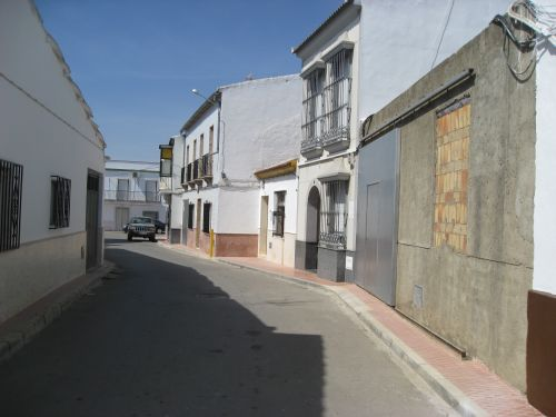 Picture 1b: Marinaleda, homes with narrow streets