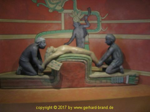 Picture 6: Bearded Men in the museum of the Pyramids of Güímar