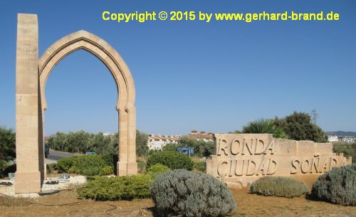 Picture 1: Ronda /  Entrance to the town