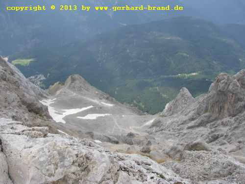 Picture 21: The way to the Zugspitze - View into the valley