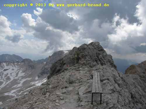 Picture 23: The way to the Zugspitze - A bench on the ridge