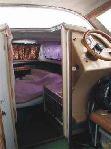 Picture 4: The motorboat Shetland Family Four / interior view